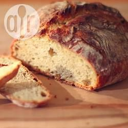 Brot ohne Kneten (No Knead Bread) das geht! Das Rezept und Video finden Sie auf Allrecipes @ de.allrecipes.com