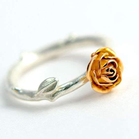 18 carats red gold rose ring, rose stem Jewellery, red rose ring ...