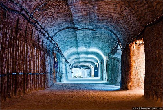 The Soledar Salt Mines https://kaftipiperia.com/ta-orycheia-alatiou-soledar-ena-ergo-technis/