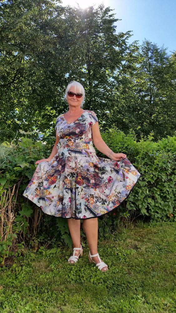 Baumwollkleid mit Digitaldruckmotiv Vintage von Carmen Straube Modeatelier klennes