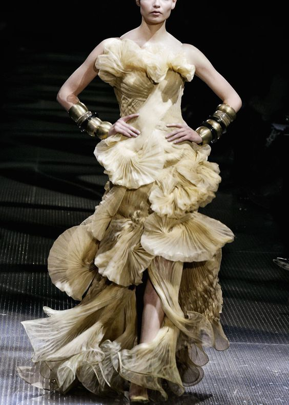 Gorgeous Fashion Gowns ... Haute Couture J'adore