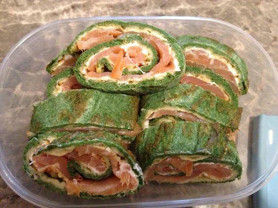 Die Lachs Spinat Rolle ist ein super einfaches und leckeres Rezept.Es ist sehr gesund, wegen dem Fisch und ist zu dem noch Low Carb geeignet