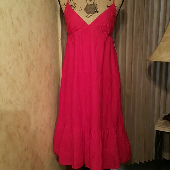 Old Navy Sundress Bohemian Chic In great condition. Old Navy kelly pink cotton bohemian hippie sundress. Mid calf length, babydoll style with tiered ruffle flowy skirt. Spaghetti straps, low v-neckline bodice, elasticized smocked back. Dress up or down. Great summer beach dress. Dresses