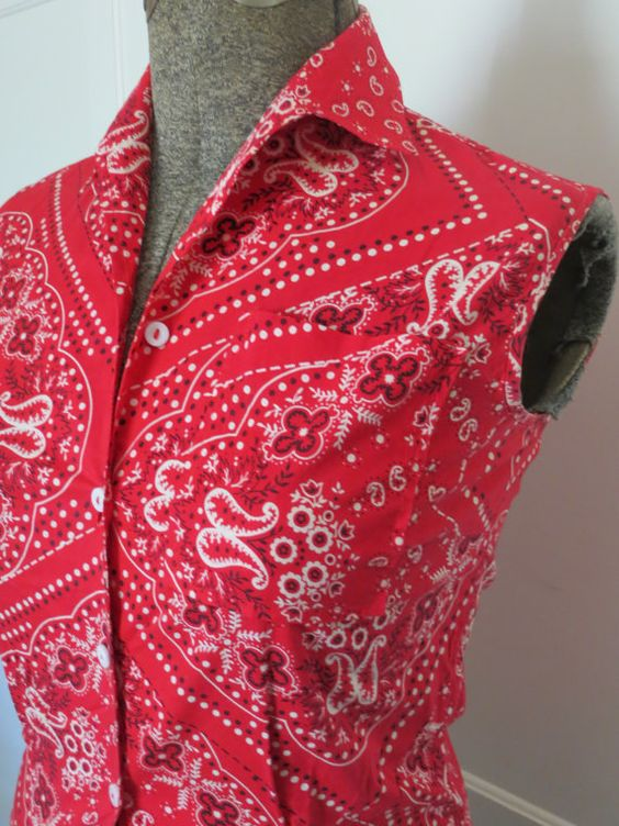 Vintage 60s Red Bandana Fitted Sleeveless Button Up