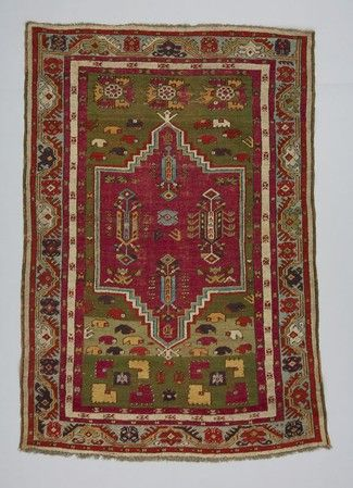 rug Turkey  DATE:1880 - 1900 DIMENSIONS:L 160 cm x W 106 cm