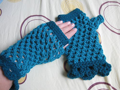 Crochet Fingerless Gloves Tutorial Butterfly Stitch : Butterfly Stitch Fingerless Gloves, free crochet pattern ...
