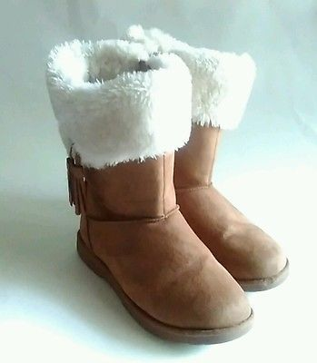 Girls Winter Fur Lined Boots - Size 3- Makalu - Brown Tassle   Also check out www.stores.ebay.com/jenscreationstx  More items in store.