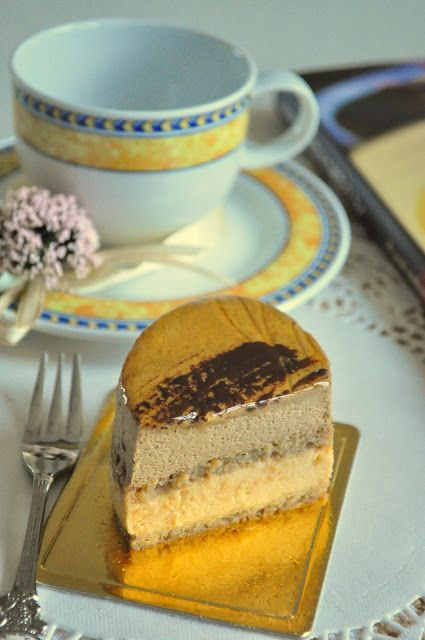 Meringue Desserts: Coffee & caramel mousse cake