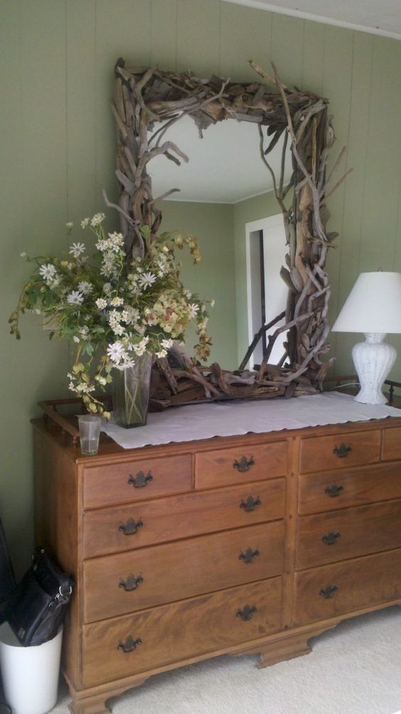 driftwood mirror. Wanna make this for my mom