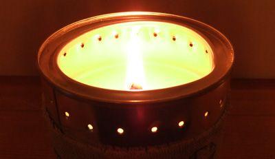 Candela di cera di Soia in Barattolo - Inspiration  Le candele Munio sono completamente fatte a mano da maestri che utilizzano solo cera organica di soia al 100%.; stoppini di cotone e legno e le erbe delle campagne Lettoni.   http://www.macrolibrarsi.it/prodotti/__candela-di-soia-in-barattolo-inspiration-350-ml.php?pn=3148