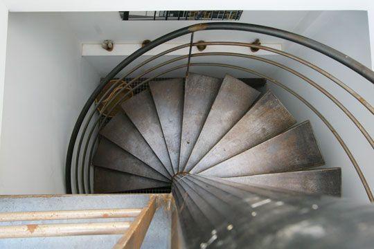 Escalier m tal m taux marseille et d co for Escalier helicoidale marseille
