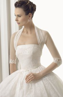 Brides Magazine: Rosa Clará : Style No. 229 América : Wedding Dresses Gallery. I love rosa clara <3
