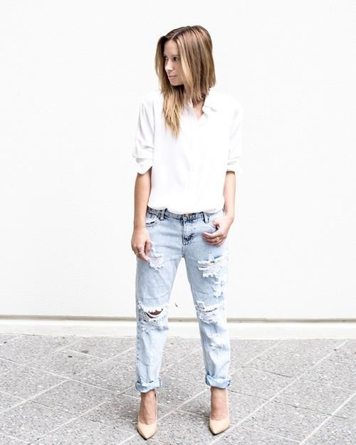 50 Minimalist Fashion Outfits to Copy - baggy denim, nude pumps, + a button down shirt: