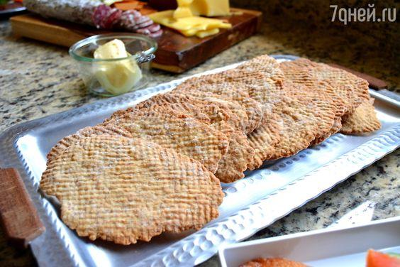 Хрустящий шведский хлеб: рецепт от бренд-шефа Дмитрия Снурницина