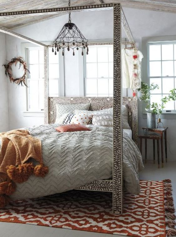 This four poster bed embodies the ancient craftmanship of Egypt, adding instant luxury to any space.