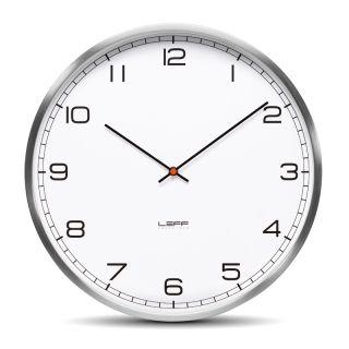 LEFF Wandklok One Wit Cijfers Ø 35 cm is een design klok ontworpen door Wiebe Teerstra. De Wandklok One White heeft een doorsnede van 35 cm, is functioneel en heeft een fijn uurwerk. De LEFF Wandklok One heeft een front van convex glas en een roestvrij stalen (RVS) behuizing.