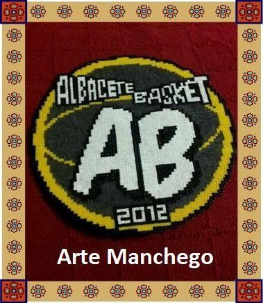 Realizamos el escudo de tu equipo favorito en #HamaBeads. En esta ocasión, el del Albacete Basket. Por encargo.