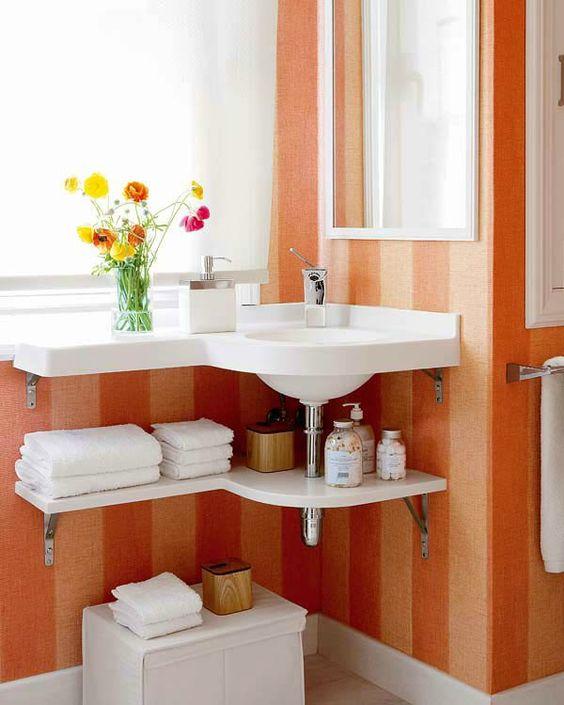 kleines badezimmer orange streifen eck waschbecken Badezimmer - badmöbel kleines badezimmer