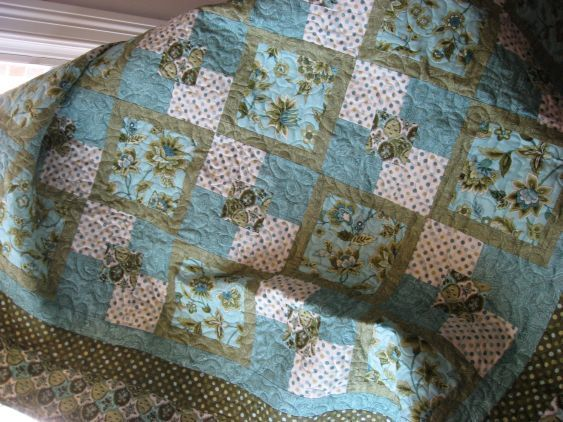 5 yard quilts | yard quilt pattern Moda fabrics - Quilt With Us ... : 5 yard quilt patterns - Adamdwight.com
