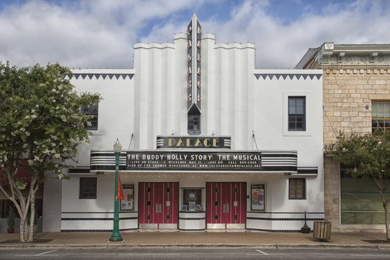 Palace theater georgetown tx photo by thomas grimes for Georgetown movie theater