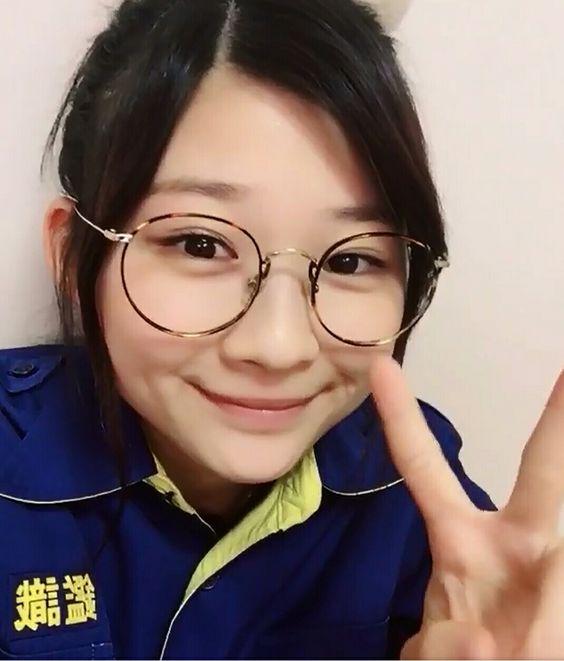 伊藤沙莉のメガネ