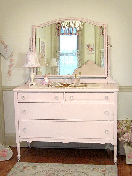 pretty pink dresser with swing mirror ella 39 s big girl room pinterest vintage dressers. Black Bedroom Furniture Sets. Home Design Ideas