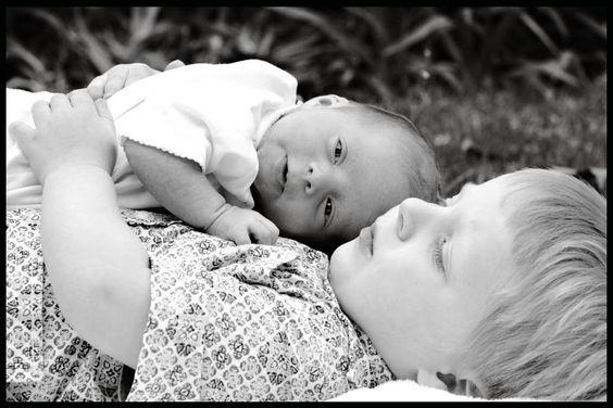 newborn family pics outdoors | Cleveland Baby Photographer Outdoor Newborn Photos