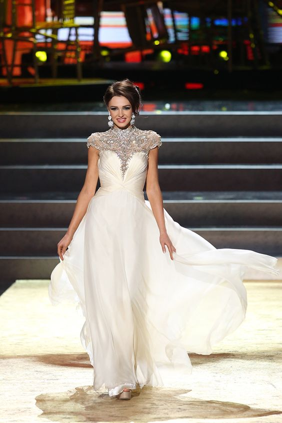 Beautiful Miss Universe dresses: Miss Ukraine