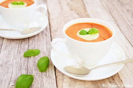 Tomatochino mit Mandel-Basilikum-Schaum | mrs vegans kitchen