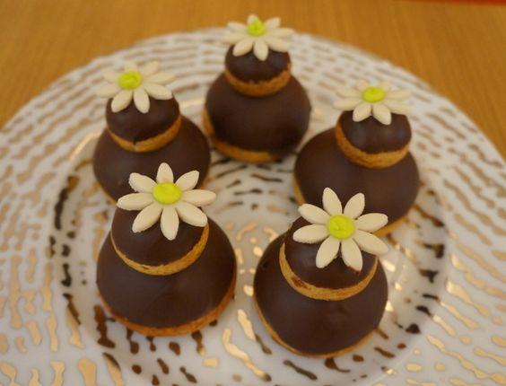 Les religieuses au chocolat girly Elles sont mini et trop mimi, optez pour la recette des religieuses au chocolat
