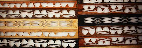 Óculos de sol e grau feitos em madeira e produzidos no Brasil. Leaf Óculos de madeira, óculos de sol, óculos.