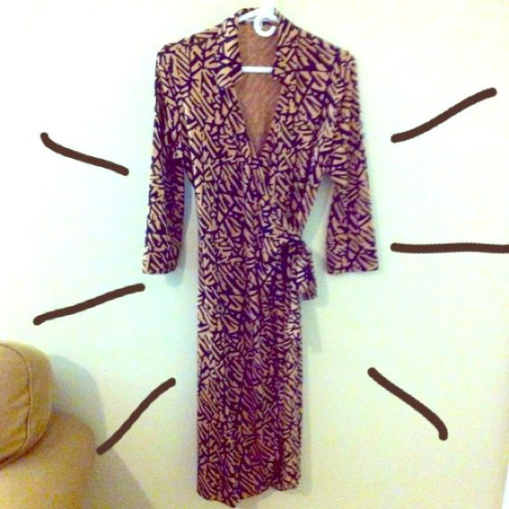 Dianne von Furstenberg Wrap Dress Beautiful tan and black abstract patterned wrap dress! Diane von Furstenberg Dresses