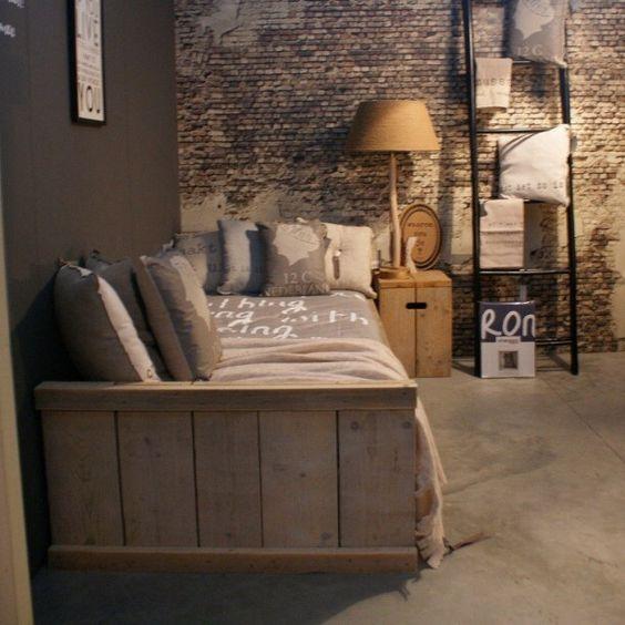 Stoere jongens slaapkamer - Steigerhouten meubels  Pinterest