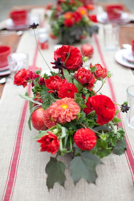 Vibrant fall florals - Bright colored wedding #centerpieces | Fab Mood - UK #wedding blog