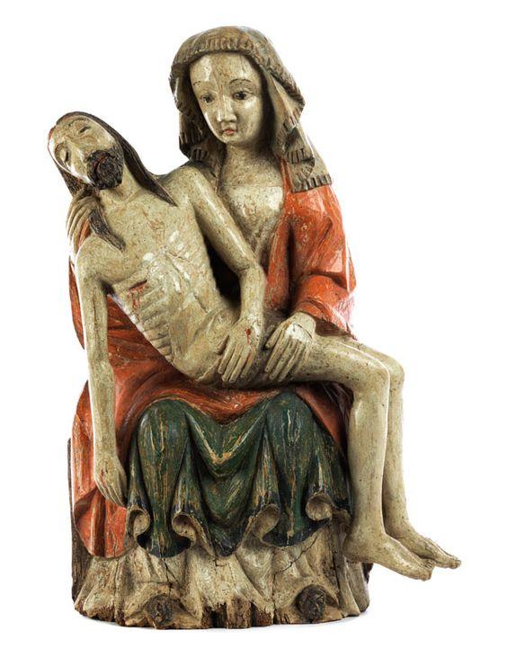 Höhe: 60 cm. Deutschland, 14./ 15. Jahrhundert. Weichholz, farbig gefasst. Maria sitzend wiedergegeben, auf dem Schoß der Leichnam Christi nach rechts in...