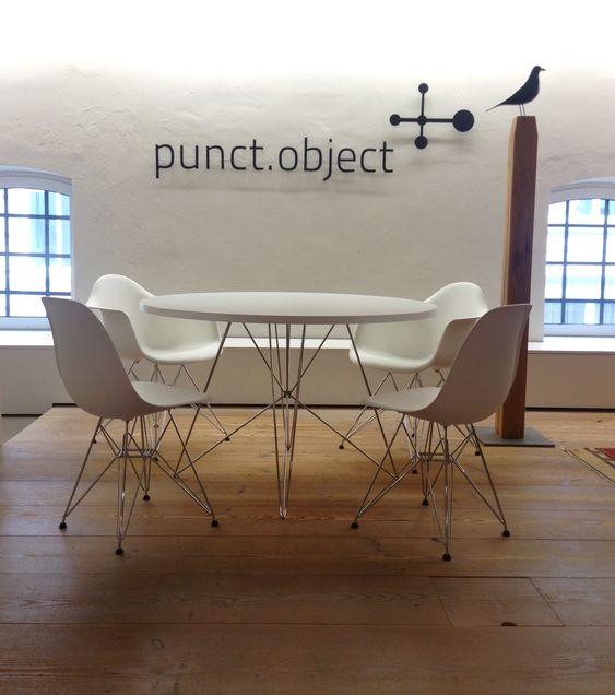 magis tavolo xz3 tisch rund und vitra eames dsr st hle in unserer ausstellung im stilwerk. Black Bedroom Furniture Sets. Home Design Ideas