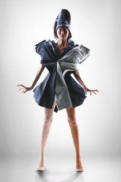 Diseños originales realizados con material reciclado y las esculturas de Sayaka Ganz.