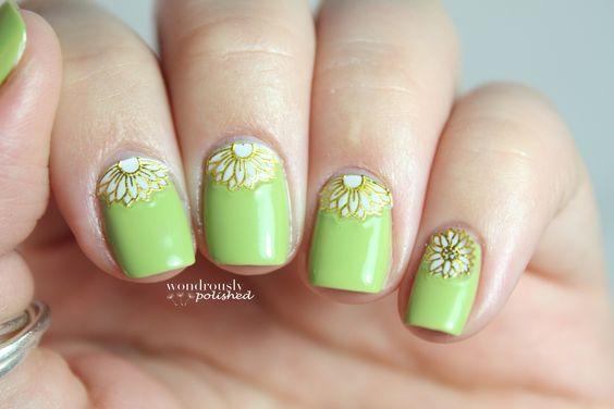 Find the full post here : http://www.wondrouslypolished.com/2013/08/born-pretty-store-review-3d-flower.html Use this nail art decals : http://www.bornprettystore.com/nail-decals-sticker-beautiful-pink-flowers-leaf-pattern-12pcs-p-6229.html Use the code SRL91 to get -10% discount