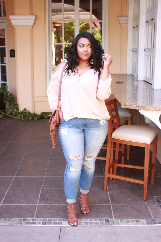 So this past weekend I had a stay-cation with my BFF and we just wanted to relax and do literally nothing. We kept everything low key and effortless. On Saturday we went to lunch and I chose a look…