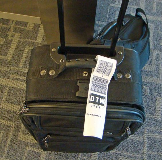 How to Save Travel Time and Clear Airport Security Quickly: Practice One-Bag Travel