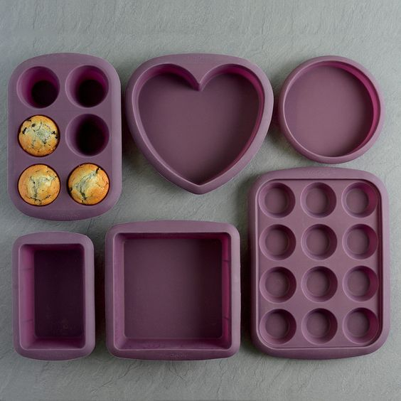 Win this 6 piece silicon bakeware set. UK delivery only. Closes 3rd March 2016.