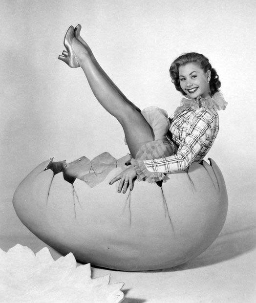Mitzi Gaynor :: L'egg'y Easter Pinup: