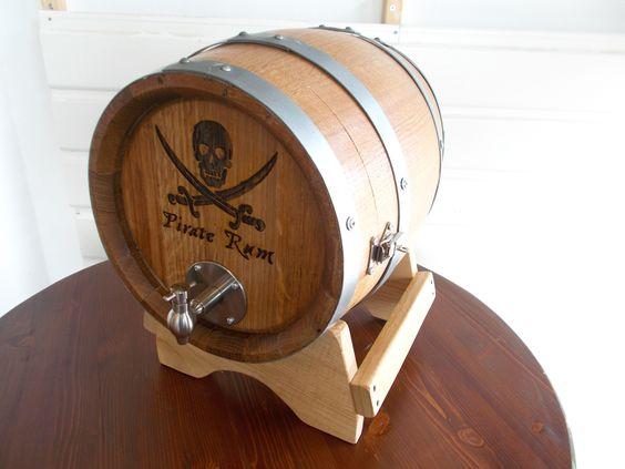 1636 - Serigrafia pirata su #botti bag in box per utilizzo in #pub, #bar, #ristoranti e #cantine - Briganti srl