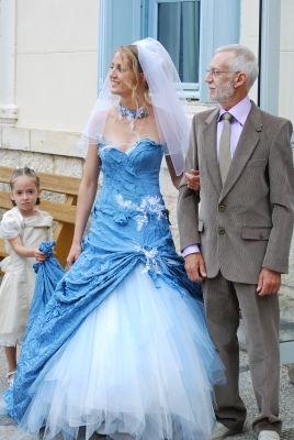Robe de mariée bleue - - Votre robe de mariée était originale ...