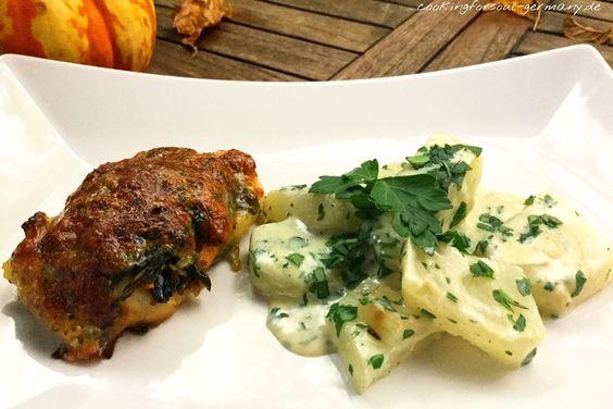 Überbackene Hähnchenbrust mit Kohlrabi-Gemüse mit Mozzarella light, Parmesan, Babyspinat, Mandelstiften, frischen Kräutern, Mandelmilch. Low-Carb Abendessen