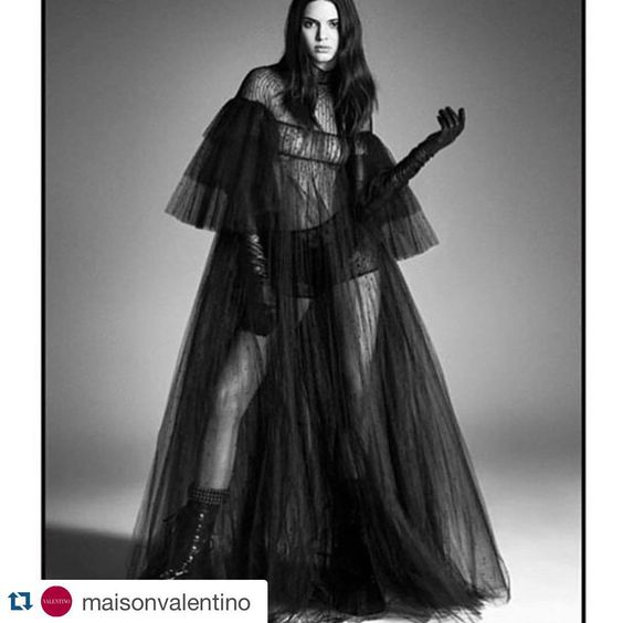 Beauty!!!! #proudmama #Valentino #voguejapan #love #Repost @maisonvalentino ・・・ @kendalljenner shows her dark side in #FallWinter1516 for @voguejapan #kendall #kendalljenner #vogue #japan