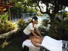 Nomads Fiji - Stay in the Beautiful Nadi Bay Hotel
