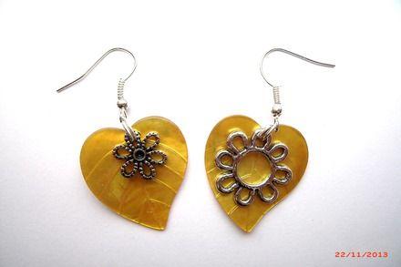 Boucles d'oreille feuille jaune  et fleurs argentées