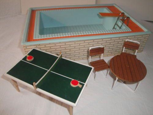 Lundby-Puppenhaus-Puppenmoebel-Swimmingpool-Tischtennisplatte-70er-Jahre