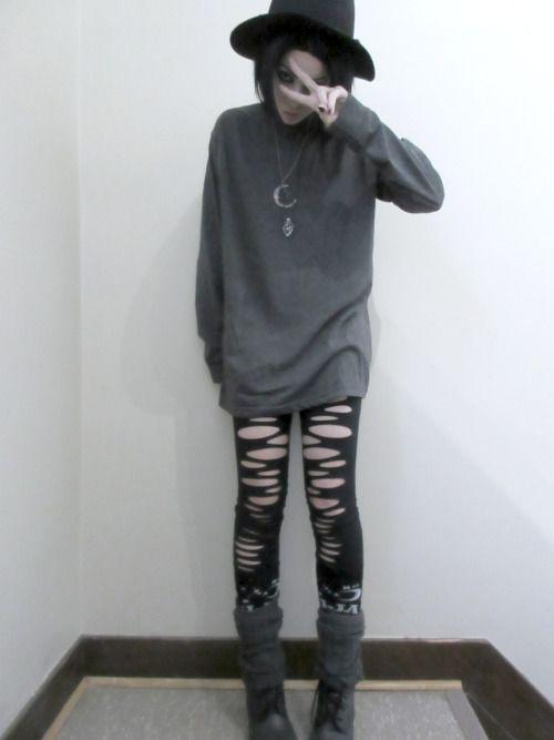 Goth/alt model/walking corpse